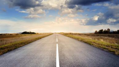 В Севастополе специалисты проверяют качество покрытия отремонтированных дорог