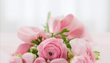 Севастопольские соборы украшают цветами (ФОТО)