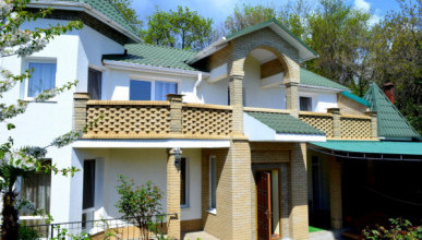Минимальная цена частного дома на берегу моря в Крыму - 1,2 миллиона рублей