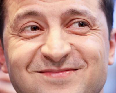 Полуголый президент Украины танцует на каблуках (ВИДЕО 18+)