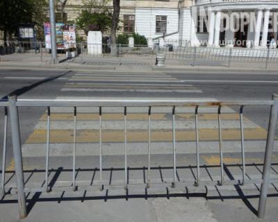 В Севастополе есть пешеходные переходы из кинофильма «Тупой и ещё тупее»?