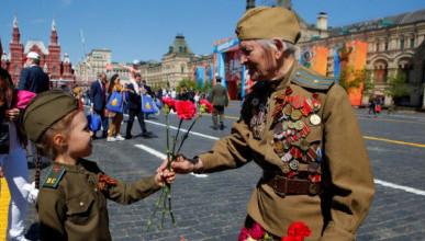52% россиян считают, что День Победы лучше было бы отметить заботой о ветеранах