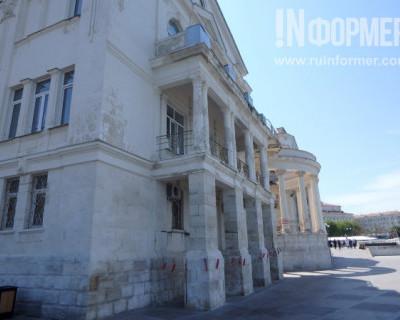 Фоторепортаж «ИНФОРМЕРа»: за красивым фасадом Севастополя скрываются разруха и упадок