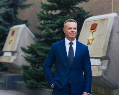 Севастопольские коммунисты поздравляют с Днём Победы!