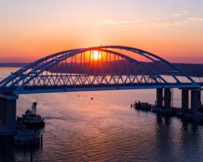 Необычная украинская версия гибели Крымского моста