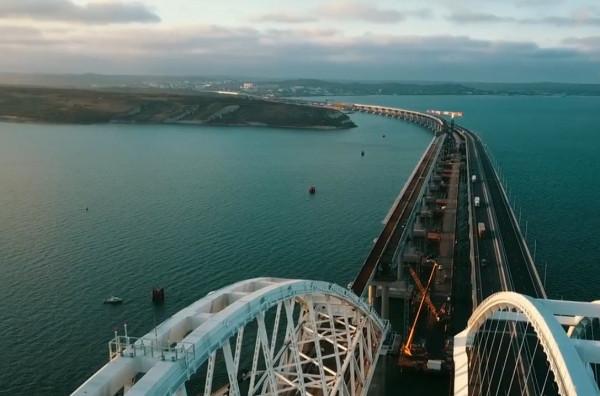 Железнодорожную часть Крымского моста пообещали открыть досрочно