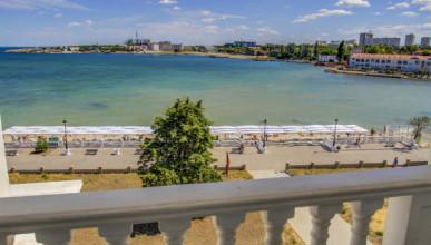 В Севастополе на воде пострадали два человека