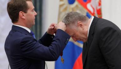 Уровень доверия россиян к Жириновскому и Медведеву практически одинаковый