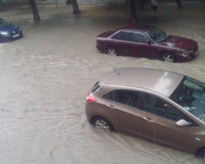 Стихия в Севастополе глазами автомобилиста (ВИДЕО)