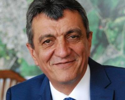 """Губернатор Севастополя разрешил директорам средних школ """"поработать до первого замечания"""". Но не всем"""