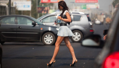 Сколько водителей Севастополя не пропускают пешеходов?