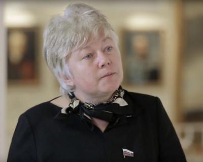 Как сенатор Ольга Тимофеева в депутаты собралась