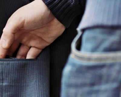 Севастопольские полицейские задержали карманника