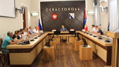 В правительстве Севастополя призвали соблюдать нормы закона при размещении рекламных конструкций