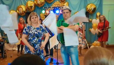 Это Россия, детка! Родители перепели «Ленинград» для своих детей выпускников