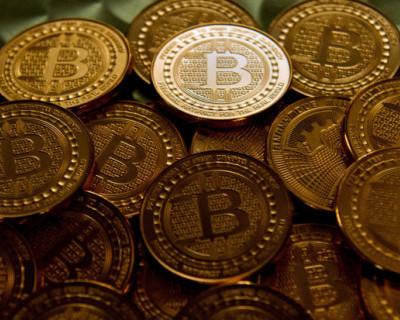 Курс биткоина превысил $12 тысяч