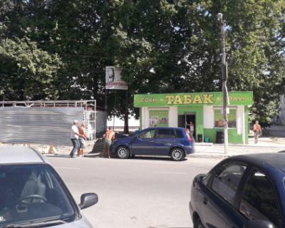 Архитектор покинула Севастополь, воплотив свой талант в ярмарочном балагане?