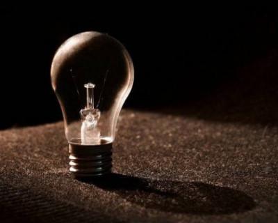 Севастопольцы будут сидеть без света до вечера (СПИСОК АДРЕСОВ)