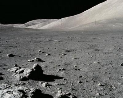 Американцы предлагали сбросить ядерную бомбу на Луну, но передумали и пытались создать там военную базу