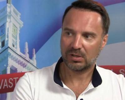 «Вы всё врёте»: зачем московский блогер рвется к власти в «деградирующем» Севастополе