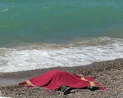 На крымский пляж вынесло тело мужчины с гирей на шее