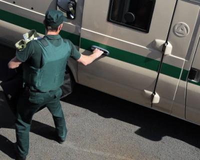 Стали известны подробности задержания офицеров-налетчиков из ФСБ России
