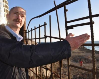 «Боже, пошли ему немножко ума»: клоунада депутата Горелова довела севастопольцев до истерики