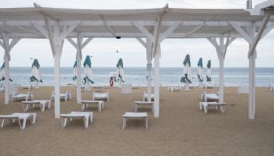 Крымские пляжи опустели