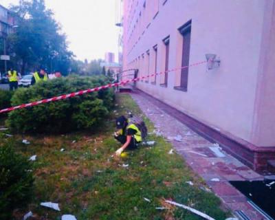 В Киеве обстреляли телеканал из гранатомёта (ФОТО)