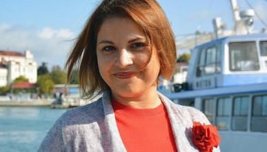 Ольга Дронова сдала подписи в Избирком Севастополя