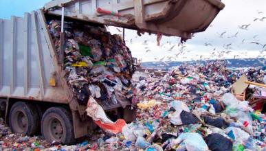 Севастопольцы ответили, какой район города погряз в мусоре