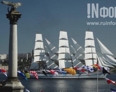 Эксклюзивные кадры «ИНФОРМЕРа»: генеральная репетиция парада в честь Дня ВМФ в Севастополе