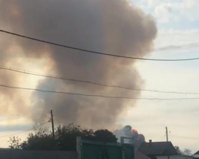 Взрыв и пожар в российской воинской части (ВИДЕО)