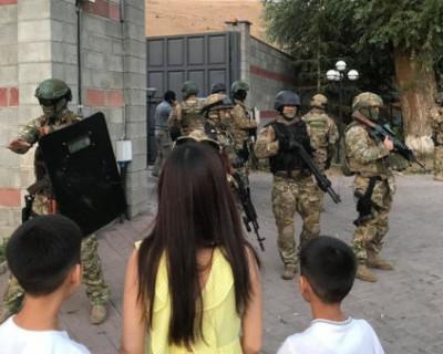 300 киргизов отстояли своего бывшего президента (ВИДЕО, ФОТО)