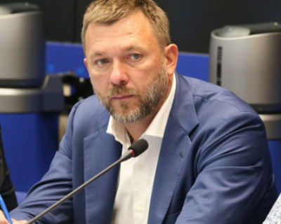 В списки севастопольской «Единой России» из 22 действующих депутатов вошли всего четыре