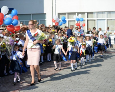 Севастопольцам из многодетных и малообеспеченных семей помогут собраться к школе