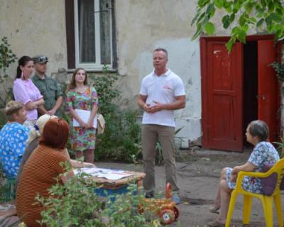 Севастопольцы грудью защитили коммунистов от «восставшей молодёжи»