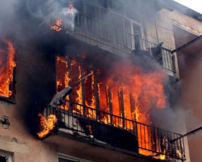 Крымский военный спас ребенка из горящей квартиры