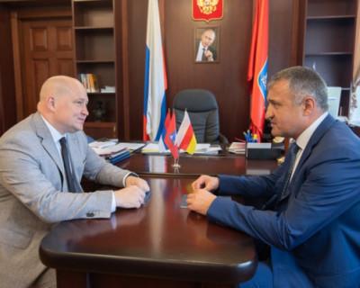 Врио губернатора Севастополя встретился с президентом Южной Осетии