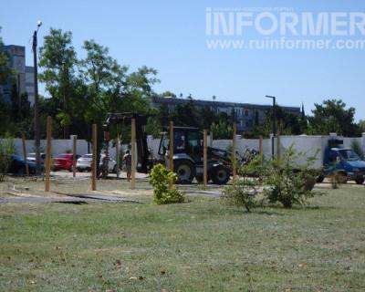 В районе ТЦ «Муссон» вырубаются краснокнижные деревья