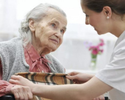 В Севастополе внедряют службу сиделок и приемные семьи для пожилых и инвалидов