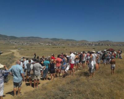 Жители Судака протестовали против будущей застройки земель в районе бухты Кастель