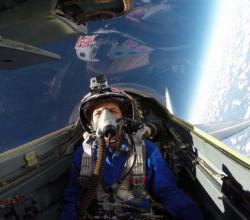 Полет истребителей МиГ-31 в ближнем космосе (ВИДЕО)