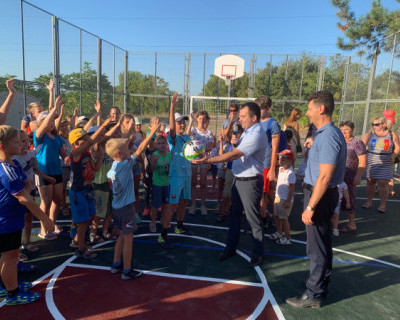 В Нахимовском районе Севастополя появились новые площадки для детей (ФОТО)