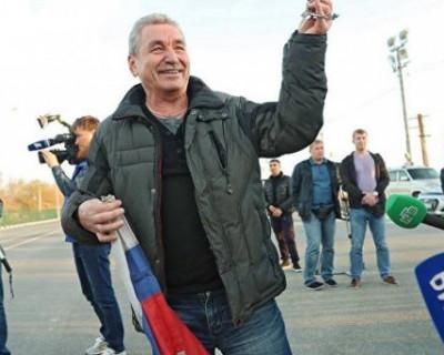 Как крымские моряки на Украине спасли флаг России