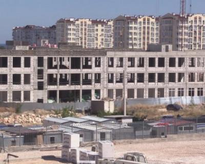 Михаил Развожаев проверил готовность севастопольских школ к 1 сентября