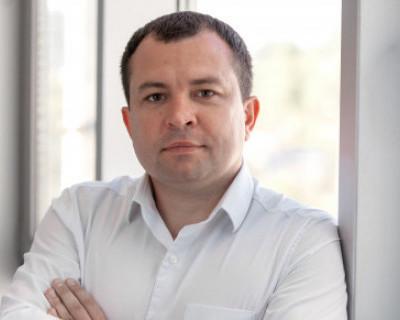 Александр Гофман узнал, почему все рукопожатные политики в Севастополе встают в очередь в друзья к Александру Брыжаку (ИНТЕРВЬЮ)