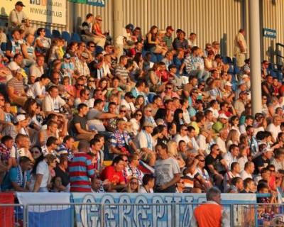Севастопольский футбольный клуб СКЧФ теперь является собственностью болельщиков команды