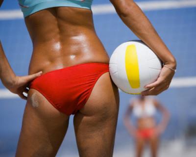 17-летнюю чемпионку по пляжному волейболу не насиловали полицейские?
