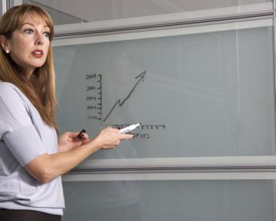 Крымским учителям поднимут зарплату